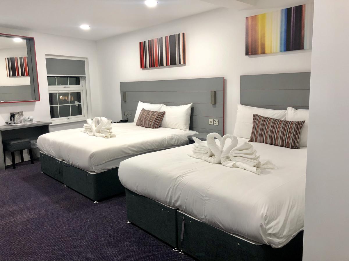 Quadruple Deluxe Room